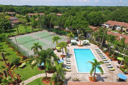 Built in 1984 and 1985, the Bentley at Maitland apartment complex features a tennis court, racquet ball court, pool, playground and fitness center.