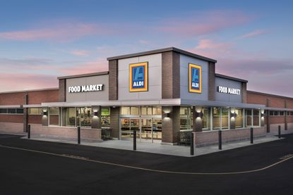 Aldi Food Market will anchor a new retail center at the southwest corner of U.S. 27 and Thompson Nursery Road.