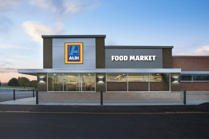 German discount grocer Aldi continues its expansion in Polk County, with a new store planned in the Four Corners area across from Reunion Resort.