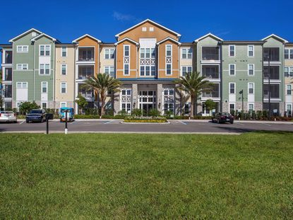 Integra Cove was completed in 2015 by Integra Land Co., features include 24-hour fitness studio, a clubroom, pool with grilling stations, outdoor televisions and fireplaces and pet spa.