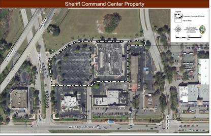 Osceola County Commissioners voted Monday to pay $5.5 million for the former grocery store across from Celebration for a new sheriff's command center.
