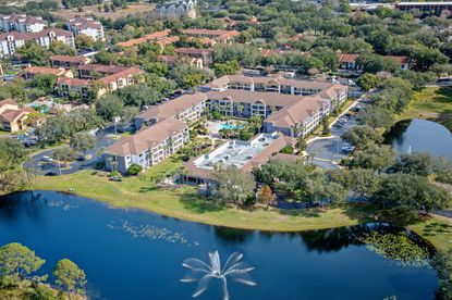 Tampa hotelier Ben Mallah sold the Courtyard Orlando Lake Buena Vista at Vista Centre this week for $33.5 million.