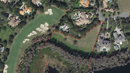 Outlined in red is the vacant lot on Varden Drive in Windermere, which borders a green of the Isleworth Country Club golf course.