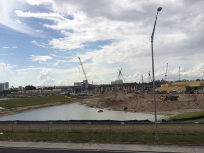 Construction of Loews Sapphire Falls Resort at Universal Orlando, May 2015