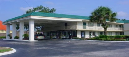 New owners plan a year-long renovation of Parkside Inn in Kissimmee.