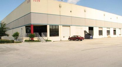 A pair of warehouses in Orlando have sold to a Pennsylvania-based investor for a recorded $9.1 million, Orange County records show, adjacent to other vacant space and planned commercial development.