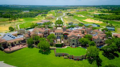 All Bella Collina residents can buy a recreation and golf membership to the championship golf course and country club.