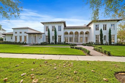 This 8-bedroom mansion with full guesthouse on Celebration's Golfpark Drive sold for $3.55 million after just 19 days on the market.