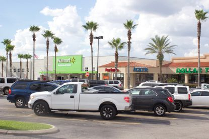 Tampa investment firm pays $16.8M for Kissimmee Walmart-anchored center