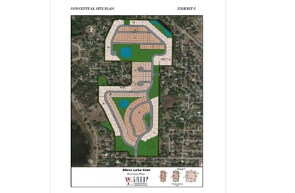 The former Silver Lake Country Club in Leesburg is approved for more than 200 single family homes, some on 100-foot estate-sized lots.