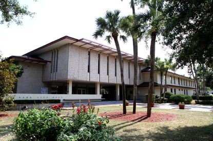 Winter Park's City Hall building, located in the city's downtown on Park Avenue.