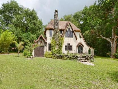 """This storybook cottage locals in Sorrento have dubbed """"The Gingerbread House"""" is available for the first time in 40 years, priced at $500,000."""